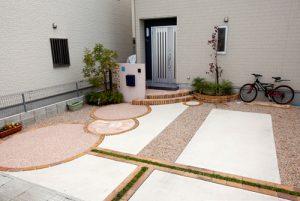 Y様邸   「らぼっと・わーくす」は京都,滋賀,大阪のエクステリア、ガーデニングを中心に外構・お庭工事のデザイン、設計、施工管理を一貫して行うエクステリア専門店です。