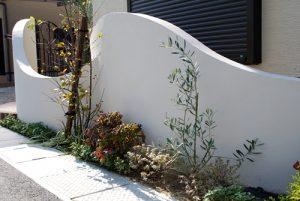H様邸 | 「らぼっと・わーくす」は京都,滋賀,大阪のエクステリア、ガーデニングを中心に外構・お庭工事のデザイン、設計、施工管理を一貫して行うエクステリア専門店です。