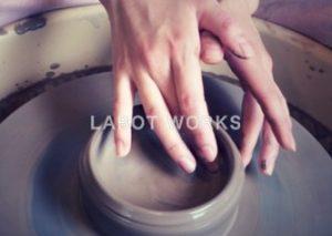 陶芸に挑戦。 | 「らぼっと・わーくす」は京都,滋賀,大阪のエクステリア、ガーデニングを中心に外構・お庭工事のデザイン、設計、施工管理を一貫して行うエクステリア専門店です。