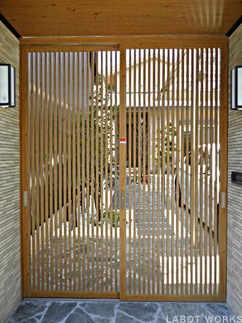 坪庭のある家 | 「らぼっと・わーくす」は京都,滋賀,大阪のエクステリア、ガーデニングを中心に外構・お庭工事のデザイン、設計、施工管理を一貫して行うエクステリア専門店です。