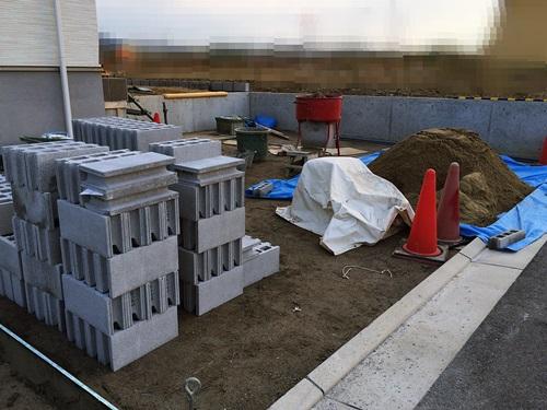京都 LABOT - lab-t.com - 木津川市の新築外構工事、着工してます -