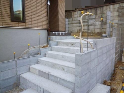 京都 LABOT - lab-t.com - お引っ越しまでに階段下地を作りました -