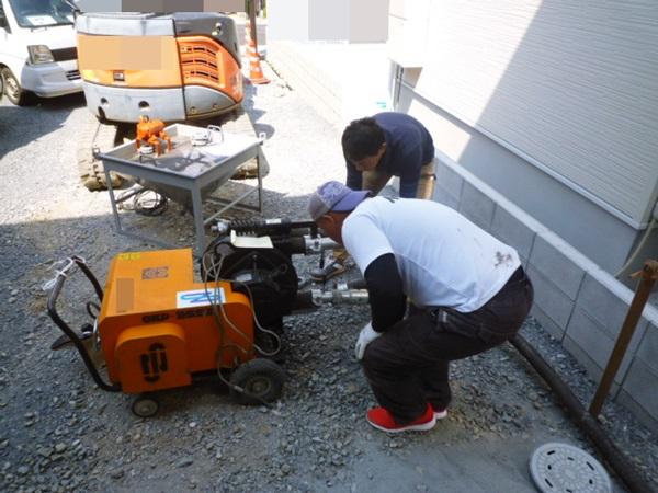 京都 LABOT - lab-t.com - ポンプでコンクリートを送り込む工事・・・これって土木工事レベル?! -