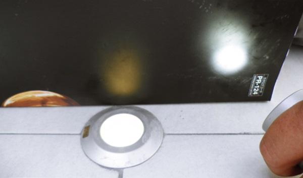 京都 LABOT - lab-t.com - 電球色と白色球を比べてみました -