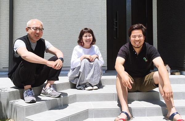京都 LABOT - lab-t.com - テラスと玄関ポーチを一体にした広がりのある外構 -