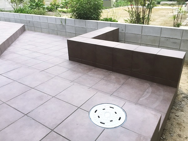 京都 LABOT - lab-t.com - 亀岡市のタイルテラス工事~タイル貼り完了~ -