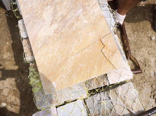 LABOT::LABOTは天然石をよく使いますが・・・