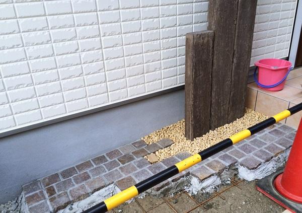 京都 LABOT - lab-t.com - 枕木風擬木を使った可愛いオープン外構工事中 -