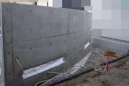 京都 LABOT - lab-t.com - カッコイイRC擁壁で囲う門まわり -