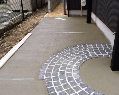 LABOT::ガレージ土間コンクリート刷毛引き仕上げ完了