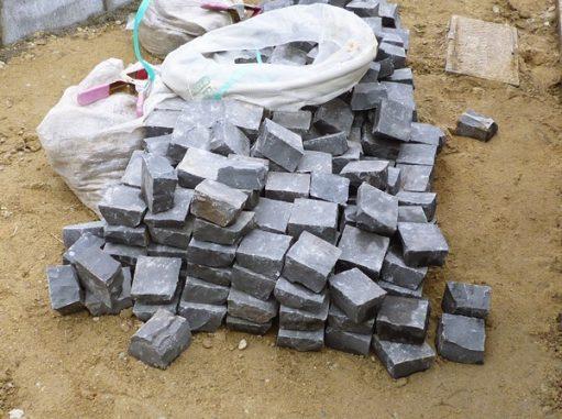 LABOT::LABOTでピンコロ石を使ったデザインと言えば・・・あのグルグルサークル(笑)