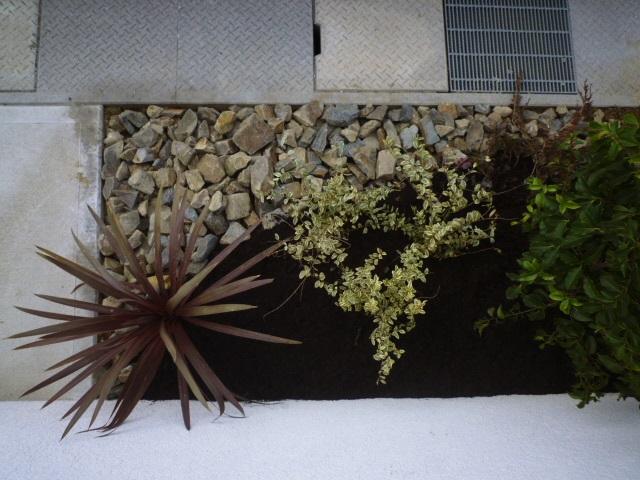 LABOT::植栽で飾る門まわり