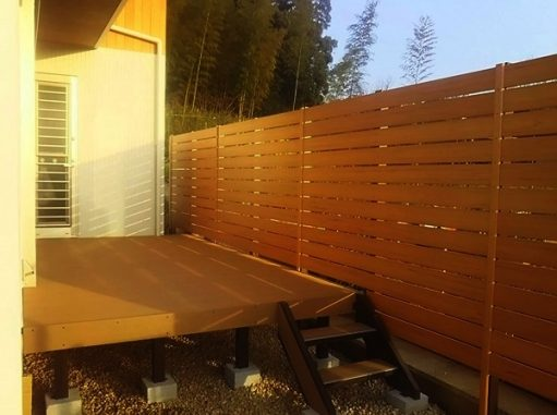 LABOT::デッキと目隠しフェンスの施工例