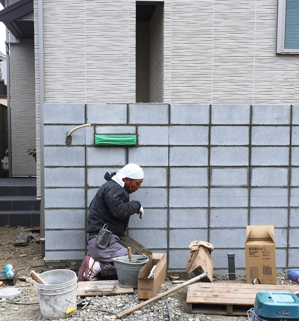 京都 LABOT - lab-t.com - 伏見区・ミサワホームのT様邸新築外構工事やってます -