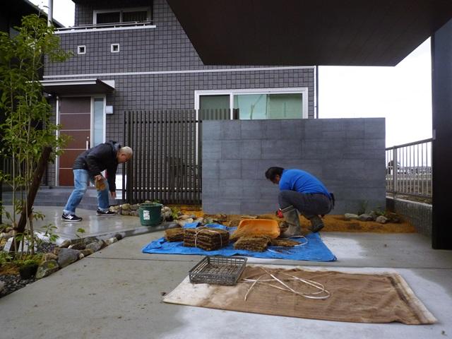 京都 LABOT - lab-t.com - 雨男と一緒に植栽の植え込み作業へ行ってきた -