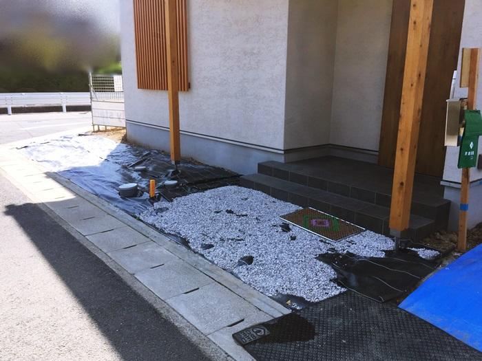 京都 LABOT - lab-t.com - 枝垂れ梅のある家:新築外構進捗状況 -