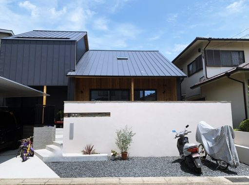 LABOT::自転車の屋根もSCでなくっちゃ