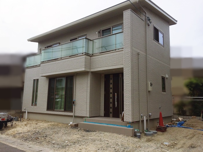 京都 LABOT - lab-t.com - 階段の角度でリズム感を出したオープン外構 -