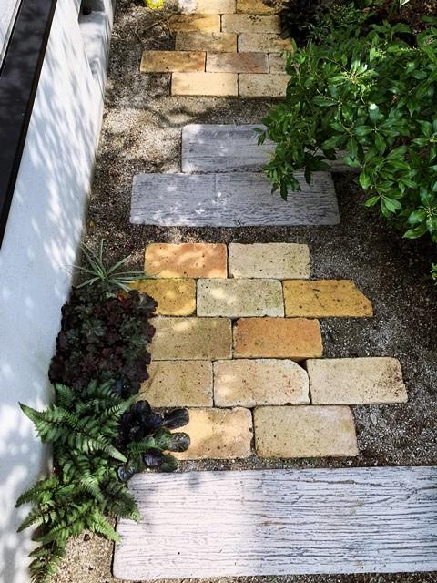 京都 LABOT - lab-t.com - 素敵すぎる庭と玄関回りの花壇のリフォーム工事 -