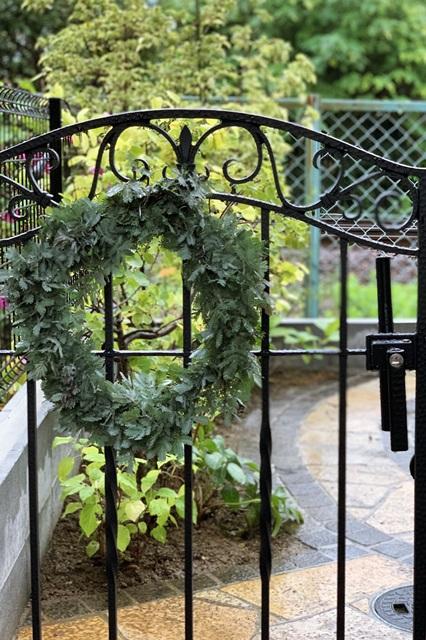LABOT::素敵すぎる庭と玄関回りの花壇のリフォーム工事