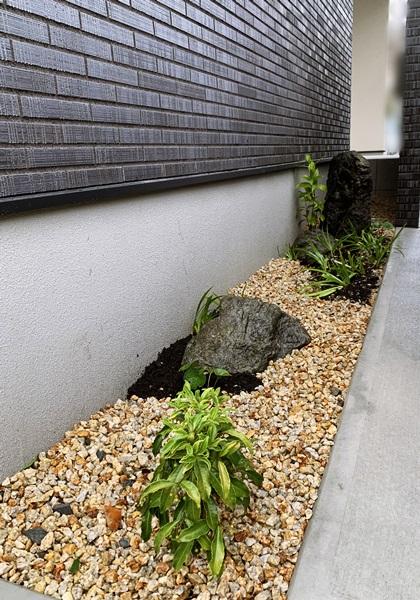 京都 LABOT - lab-t.com - 外壁と同じタイルで作った外構 -
