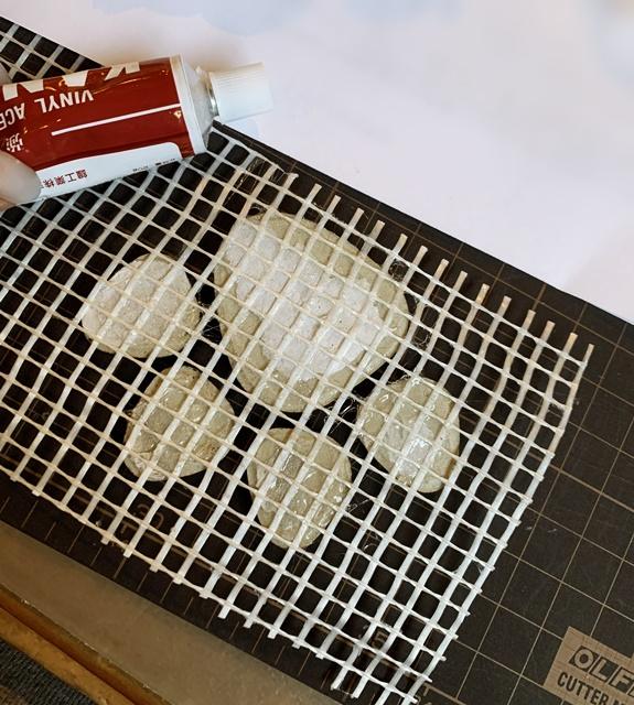 京都 LABOT - lab-t.com - コンクリートにワンコの足跡を可愛らしく入れることを真剣に考えた -