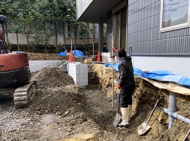 京都 LABOT - lab-t.com - 北区のT様邸は土留め工事の真っ最中! -