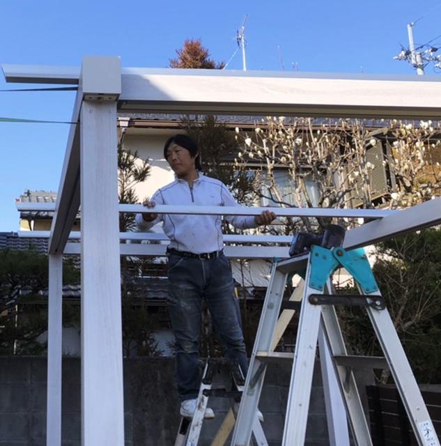 京都 LABOT - lab-t.com - 白い木目の可愛いパーゴラ -