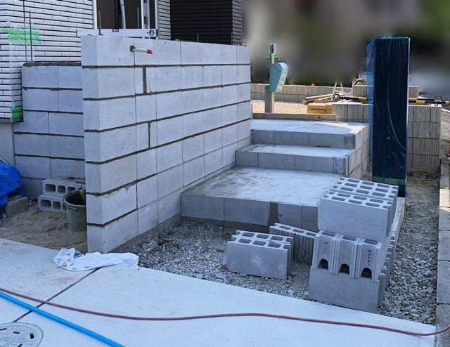 京都 LABOT - lab-t.com - N様邸の「門柱」と「機能門柱」を使ったオシャレな外構デザイン -