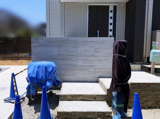 LABOT::奈良市のN様邸は門柱仕上げ工程に入りました