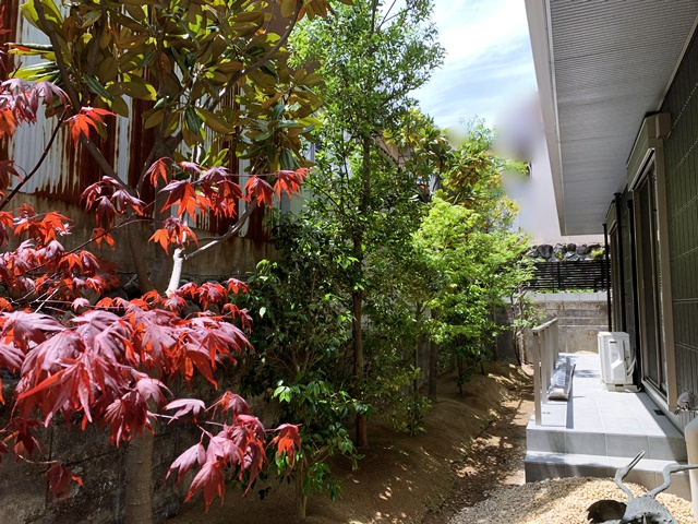 LABOT::和の坪庭と優しい門回り