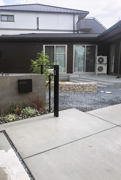 LABOT::庭と門回りを仕切らないゾーニング