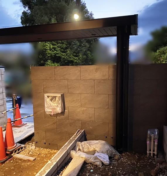 京都 LABOT - lab-t.com - ライトアップでウットリ出来る外構にするために陽が落ちてからの現場へ -