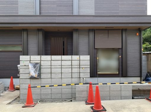 LABOT::宅配ボックスのある門柱@山科区T様邸