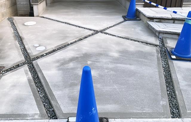 京都 LABOT - lab-t.com - ガレージの目地のをオシャレにしました -