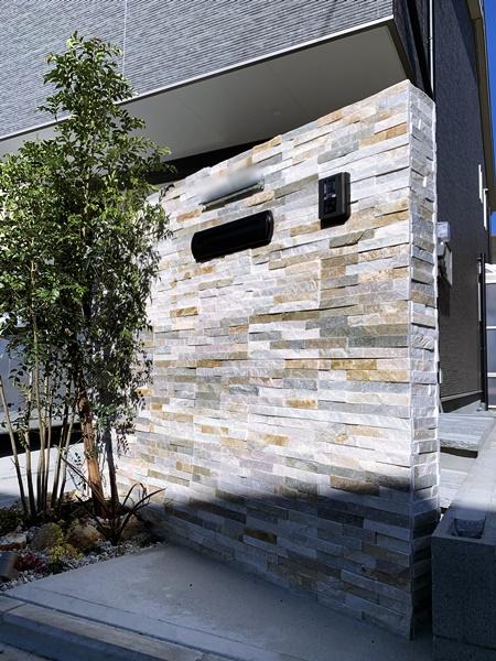 LABOT::石の階段と石の門柱