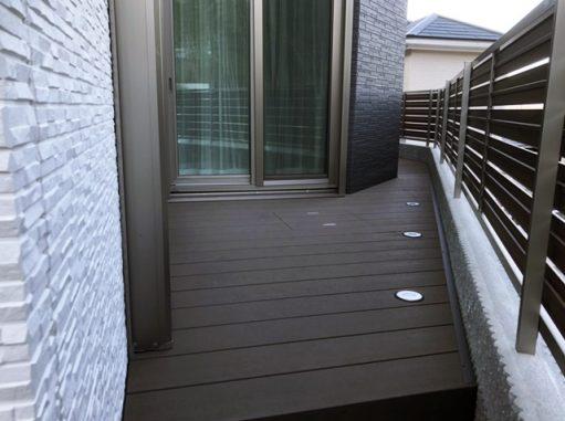 LABOT::デッキと目隠しフェンスでプライベート空間を作ろう