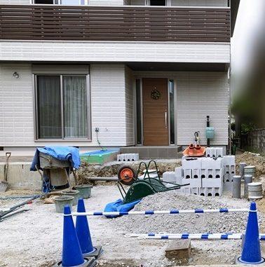 LABOT::ヘーベルハウスで新築された伏見区K様邸の新築外構工が事着工しました