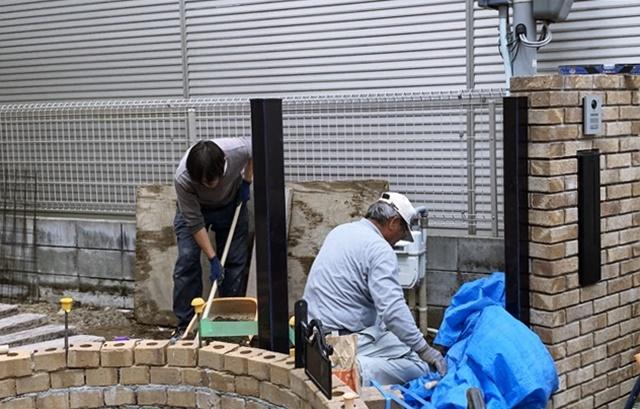 京都 LABOT - lab-t.com - 枕木とレンガの外構@北区M様邸 -