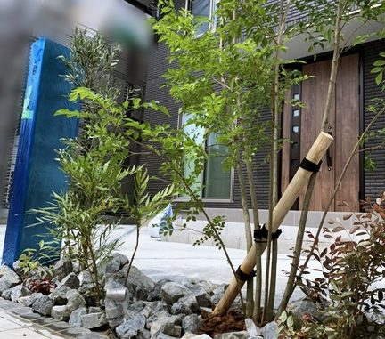 LABOT::ロックガーデン風の管理しやすい植え込み