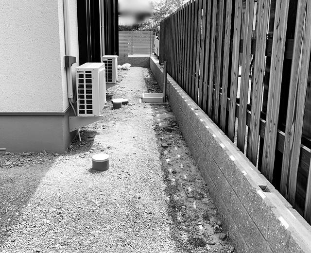 京都 LABOT - lab-t.com - 水栓パンを造作したタイルテラス -