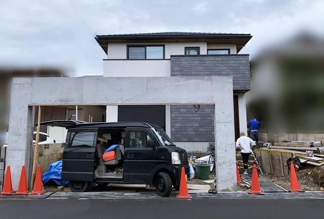 京都 LABOT - lab-t.com - シャッターゲートがある外構 -