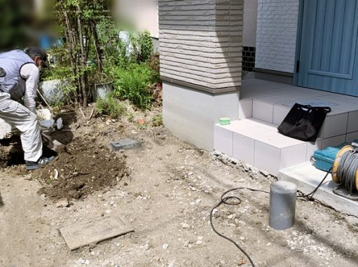 LABOT::右京区F様邸の新築外構工事が始まりました
